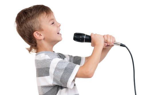 اگر ورزش نمی کنید لااقل آواز بخوانید !!!