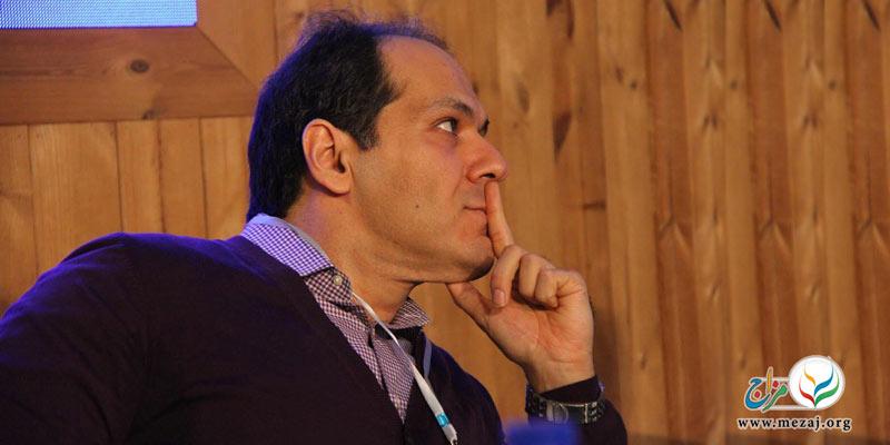 سخنرانی دکتر آذرخش مکری با موضوع اعتیاد و طب ایرانی